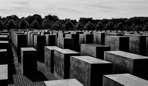 Vue sur le mémorial de l'Holocauste à Berlin